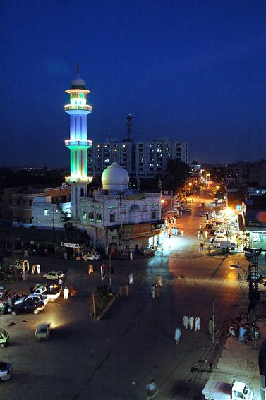 Meczet w Rawalpindi. Pierwsza godzina Ramadanu...