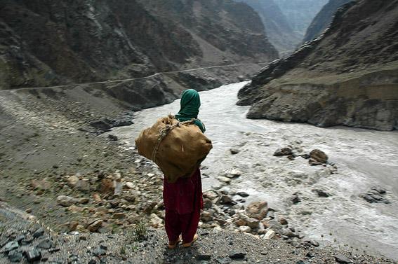 Podórż Karakorum Highway dostarcza emocji...