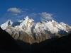 Widok o poranku na szczyty Urdukas