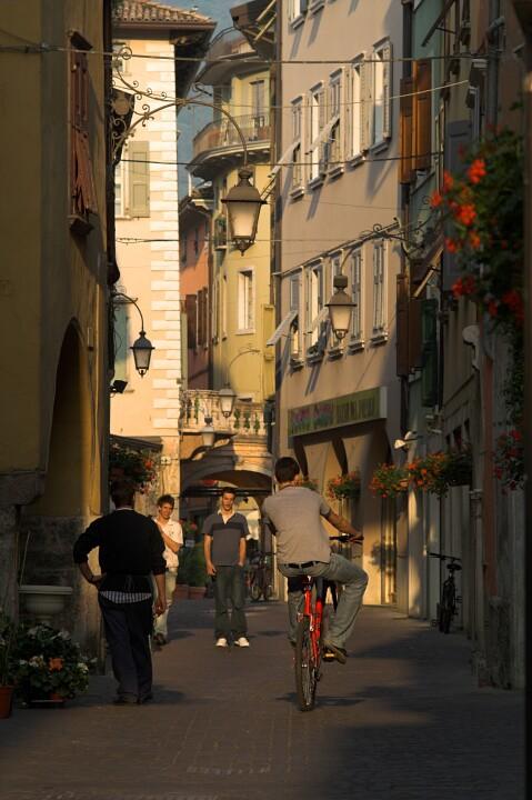Arco, sąsiedztwo rynku.