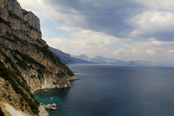 Widok na zatokę Dorgali z Aguglia di Goloritze