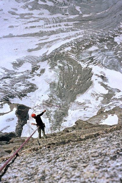 2004-07 Alpy Francuskie, zjazdy z Malych Zorasow po Anouk. Fot. Wojtek Ryczer