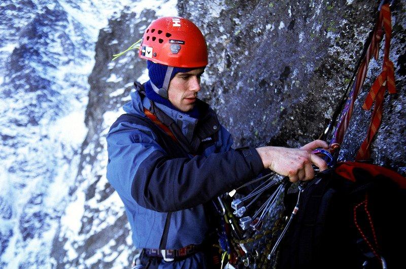 2004-12-11 Zimowe Tatry, na Dlugoszu-Popce, Kocioł Kazalnicy. Fot. Wojtek Ryczer