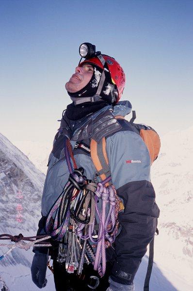 2006-03-14 Alpy Walijskie, pod polnocną scianą Matterhornu. Fot. Wojtek Ryczer